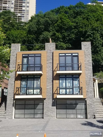 Edgewater Condo/Townhouse For Sale: 746 Undercliff Avenue #A