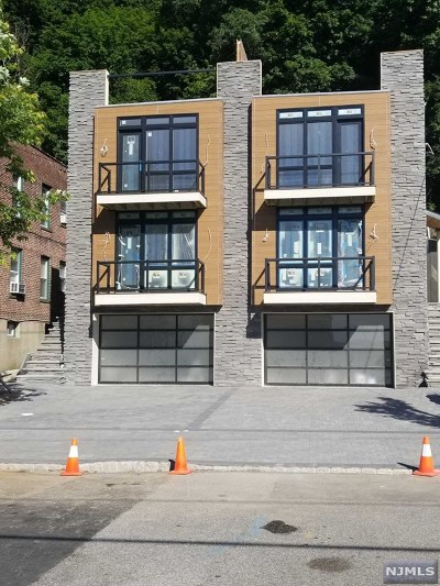 Edgewater Condo/Townhouse For Sale: 746 Undercliff Avenue #B