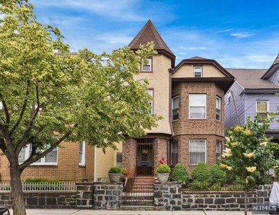 Weehawken Single Family Home For Sale: 20 49th Street