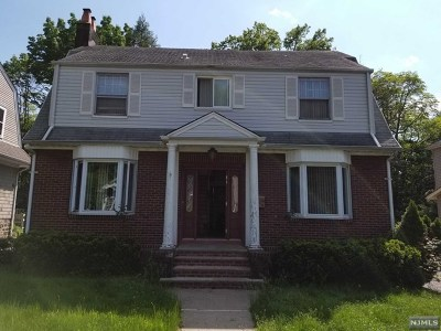 Leonia Single Family Home For Sale: 128 High Street