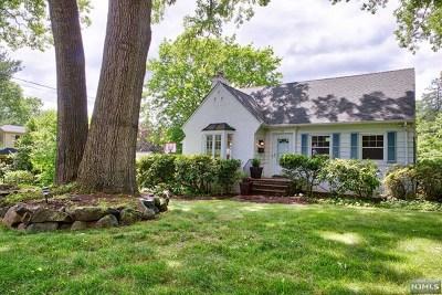 Tenafly Single Family Home For Sale: 74 Oak Avenue