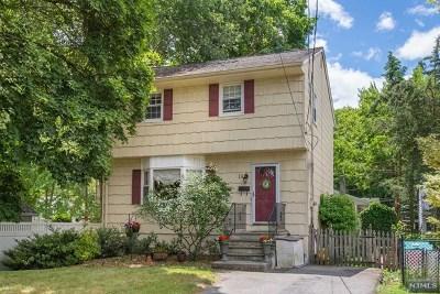 Waldwick Single Family Home For Sale: 19 Lindbergh Parkway