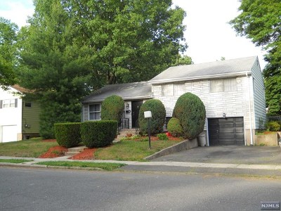 Dumont Single Family Home For Sale: 107 Summit Avenue