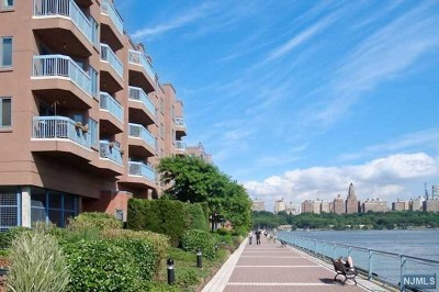 Edgewater Condo/Townhouse For Sale: 101 Smith Court #101