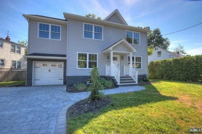 Fair Lawn Single Family Home For Sale: 13-06 Sunnyside Drive