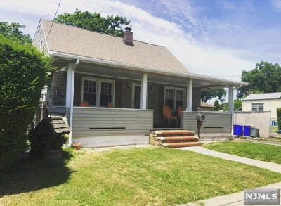 Saddle Brook Single Family Home For Sale: 149 Franklin Avenue