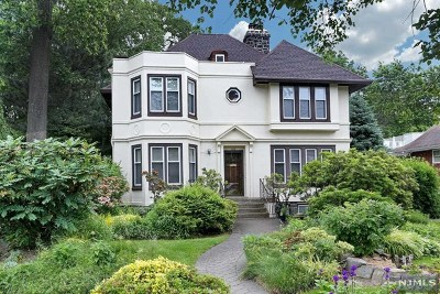 Fort Lee Single Family Home For Sale: 1076 Cumbermeade Road