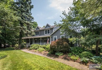 Woodcliff Lake Single Family Home For Sale: 36 Wyandemere Drive