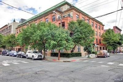 Hoboken Condo/Townhouse For Sale: 701 Grand Street #4e