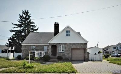 Saddle Brook Single Family Home For Sale: 141 Skillman Terrace