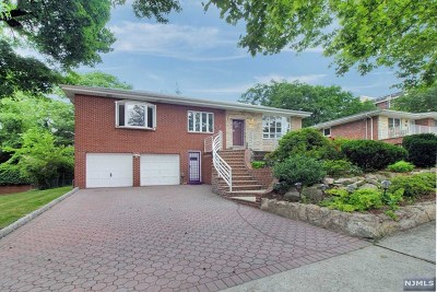 Fort Lee Single Family Home For Sale: 47 Virginia Avenue