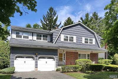 Oradell Single Family Home For Sale: 251 Essex Street