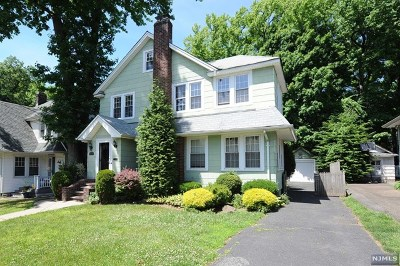 Teaneck Single Family Home For Sale: 523 Cumberland Avenue