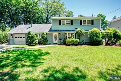 Paramus Single Family Home For Sale: 286 Herbert Place