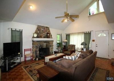 Ringwood Single Family Home For Sale: 47 Windbeam Avenue