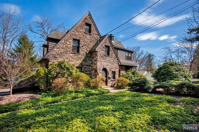 Cresskill Single Family Home For Sale: 140 Roosevelt Street