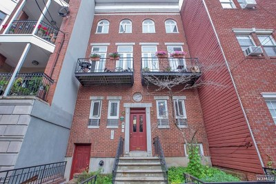 Hoboken Condo/Townhouse For Sale: 229 Monroe Street #2rn