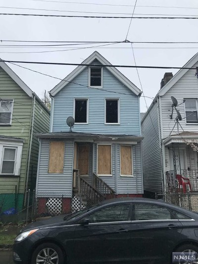 Newark NJ Single Family Home For Sale: $55,000