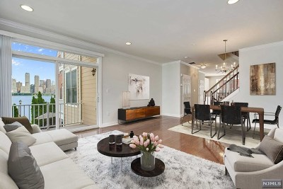 West New York NJ Condo/Townhouse For Sale: $929,900