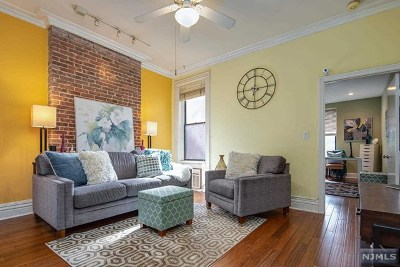 Hoboken NJ Condo/Townhouse For Sale: $525,000