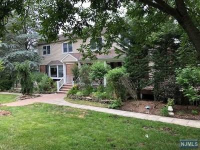 Tenafly Single Family Home For Sale: 33 Magnolia Avenue
