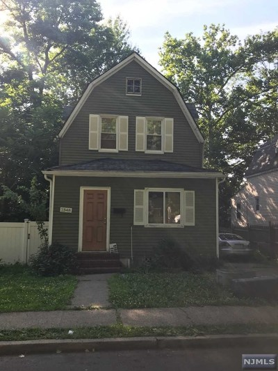Teaneck Single Family Home For Sale: 1348 Laurel Terrace