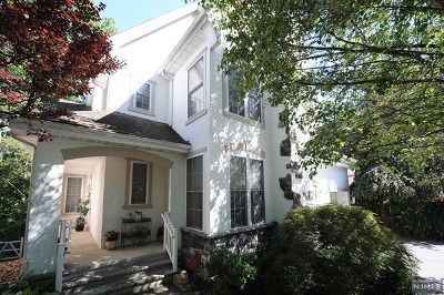 Oakland Single Family Home For Sale: 42 Hunters Run