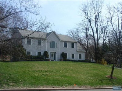 Franklin Lakes Single Family Home For Sale: 701 Iron Latch Road