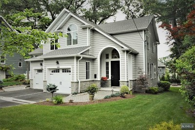 Ridgewood Single Family Home For Sale: 240 Highwood Avenue