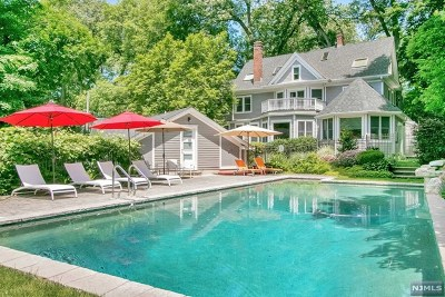Tenafly Single Family Home For Sale: 22 Ravine Road