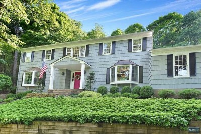 Franklin Lakes Single Family Home For Sale: 663 Cheyenne Drive