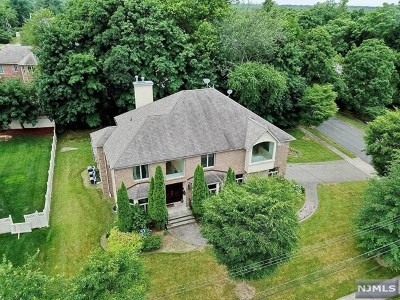 Closter Single Family Home For Sale: 39 Walker Avenue
