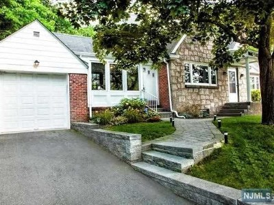 Teaneck Single Family Home For Sale: 973 Red Road