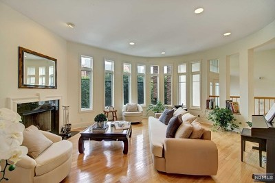 Edgewater Condo/Townhouse For Sale: 108 Hudson Cove