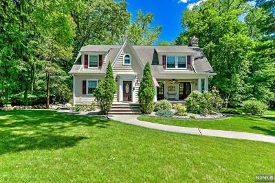 Park Ridge Single Family Home For Sale: 207 Pascack Road