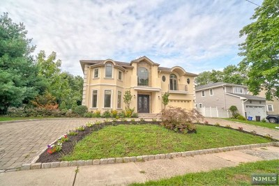 Cresskill Single Family Home For Sale: 78 Westervelt Place
