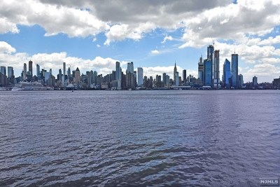 Weehawken Condo/Townhouse For Sale: 250 Henley Place #207