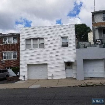 Cliffside Park Single Family Home For Sale: 159 Palisade Avenue