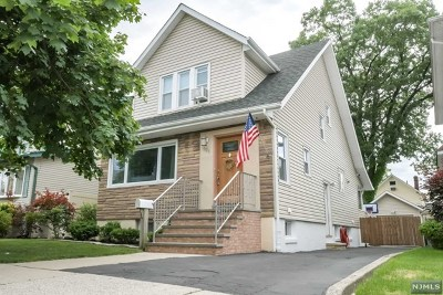 Cliffside Park Single Family Home For Sale: 521 Olympia Avenue