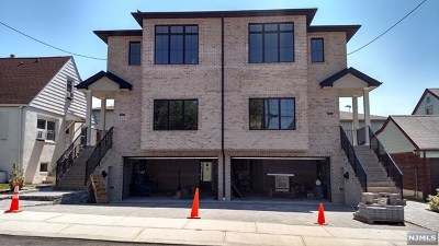 Fairview Condo/Townhouse For Sale: 190 9th Street #A