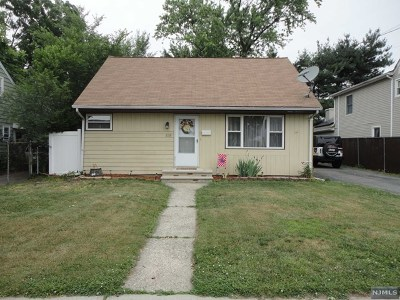 Saddle Brook Single Family Home For Sale: 119 Oxford Avenue