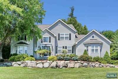 Franklin Lakes Single Family Home For Sale: 502 Kings Point Trail