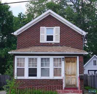 Saddle Brook Single Family Home For Sale: 107 Franklin Avenue
