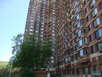 Fort Lee Condo/Townhouse For Sale: 100 Old Palisade Road #3814