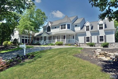 Morris County Single Family Home For Sale: 2 Sugar Hill Road