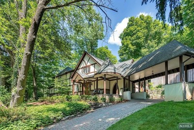 Upper Saddle River Single Family Home For Sale: 304 East Saddle River Road