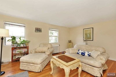 Englewood Condo/Townhouse For Sale: 191 Knickerbocker Road