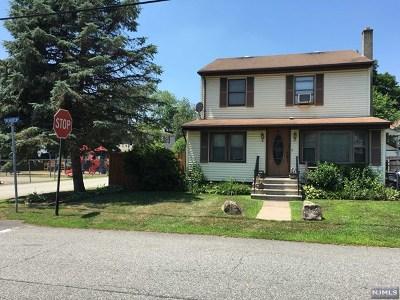 Wanaque Single Family Home For Sale: 1 Evergreen Avenue