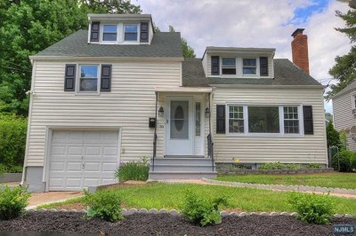 Teaneck Single Family Home For Sale: 70 Englewood Avenue