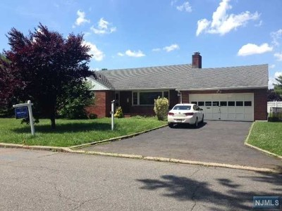 Little Ferry Single Family Home For Sale: 39 Roosevelt Street